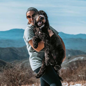 Blog author Taylor Schmidt and her dog Wally