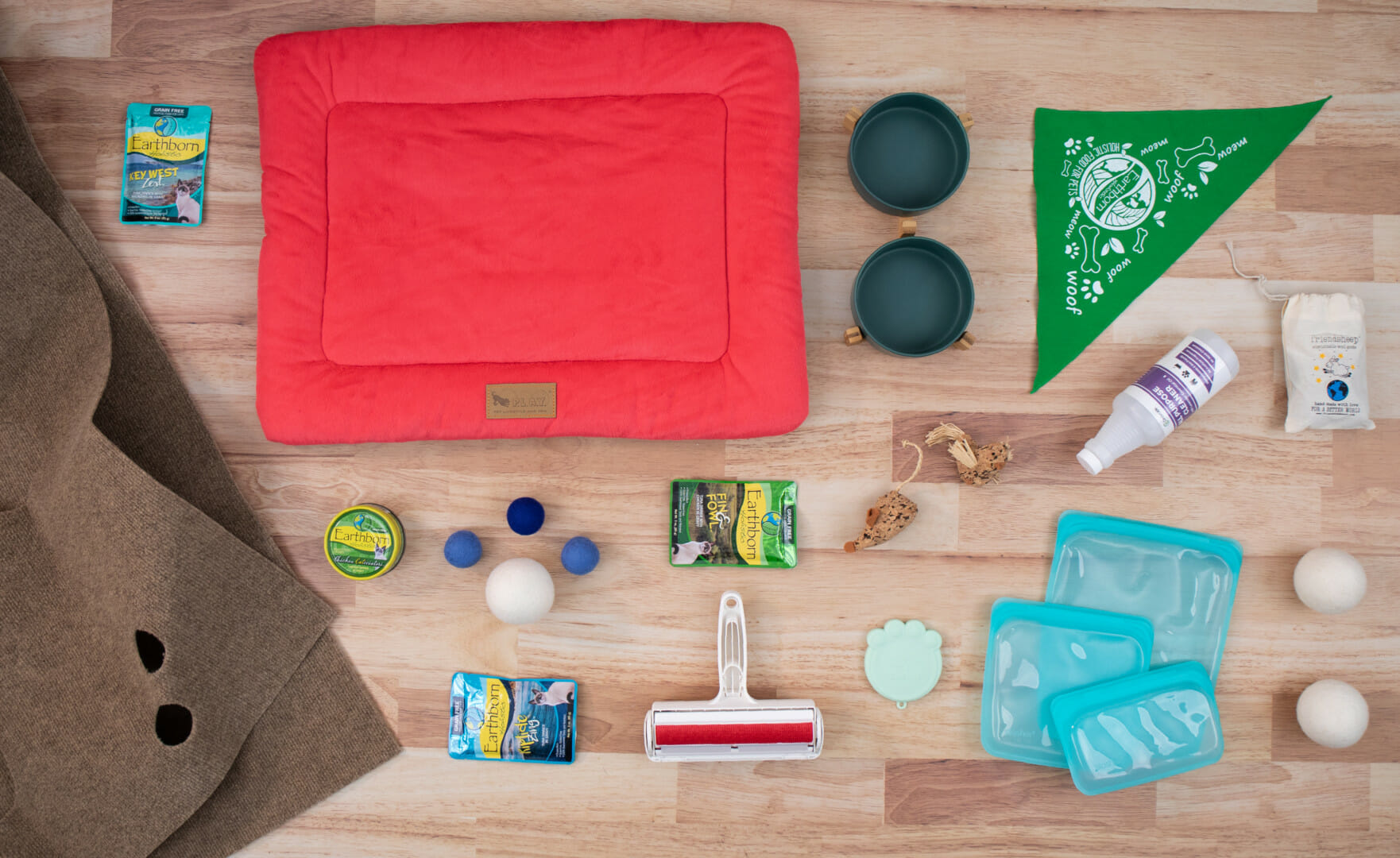Celebrate Earth Month with These 11 Eco-Friendly Cat Products